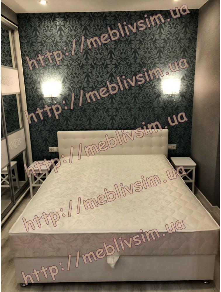 Кровать Камила в молочном кожзаме